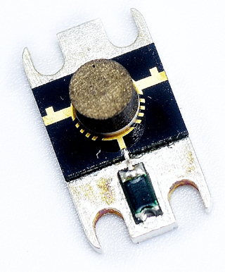 JQL microstrip RF isolator